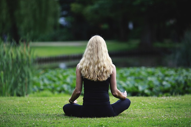 Harnessing your fibromyalgia anxiety with mindfulness meditation
